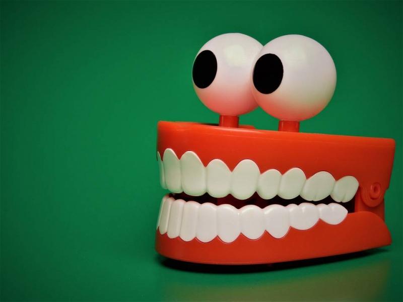 牙套矫正牙齿的原理我们到底要不要带牙套